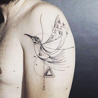 Este diagrama delicado. | 35 Diseños de tatuajes perfectos para el hombro