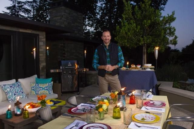 Find outdoor entertaining tips, Clinton's Spotify playlist and recipe ideas here.
