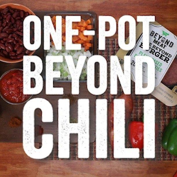 Vegetarian Chili Made With Beyond Burgers Thankunext Bowl Of Chili Please Vegetarian Chili Vegan Chili Recipe Chili Bowl