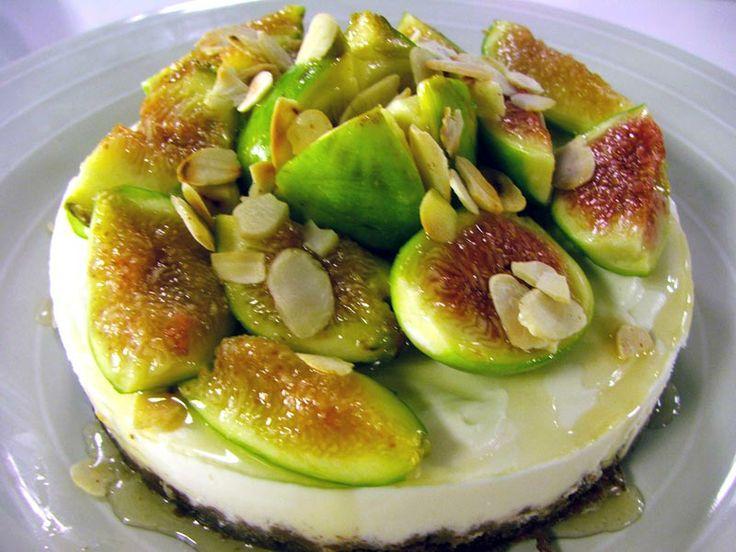 Cheesecake fichi, miele, mandorle ed amaretti