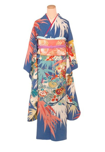 http://www.rakuya.co.jp/rental/bridal-furisode/2006/ antique bridal furisode