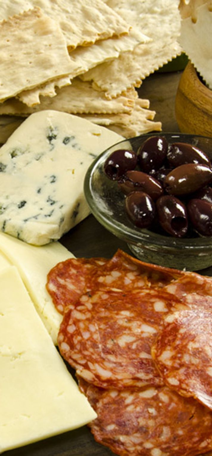 For a post-Thanksgiving snack try this spread on a Cracked Pepper Croccantini®