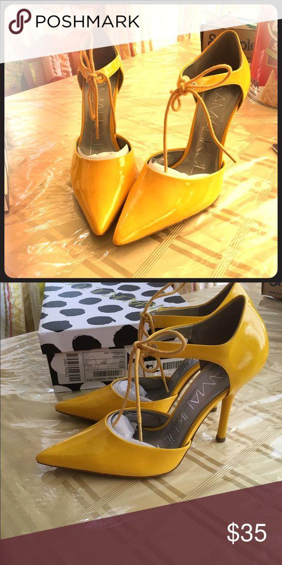 Women's heels Beautiful never worn women's size 8.5 heels Shoes Heels