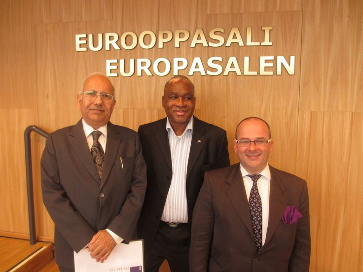 B3CF Autumn meeting Date: 5 OCTOBER 2015 B3CF hold its Autumn meeting in Europa Hall Helsinki the 5th October. Chairman Garry Parker opened the meeting and then two Commonwealth ambassadors gave a short presentation of todays business climate in their countries.
