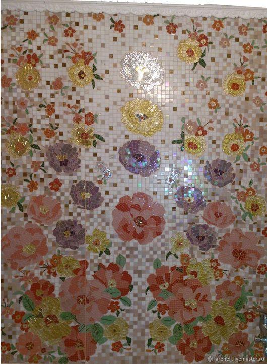 Панно, получилось очень КРАСИВОЕ, сделано из мозаики в мозаичной технике. С удовольствием сделаю аналог на заказ, точное повторение невозможно. В реальности выглядит намного красивее, чем на фото. Мозаика - это великолепное украшение Вашего дома и прекрасный подарок на любой случай! Материалы: мозаика. Размер: 155(ш), 175(в)см.