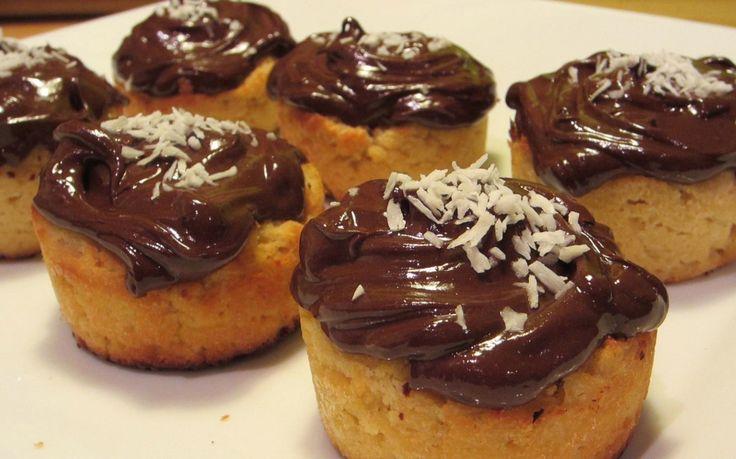 Cupcakes paléo au glaçage au chocolat
