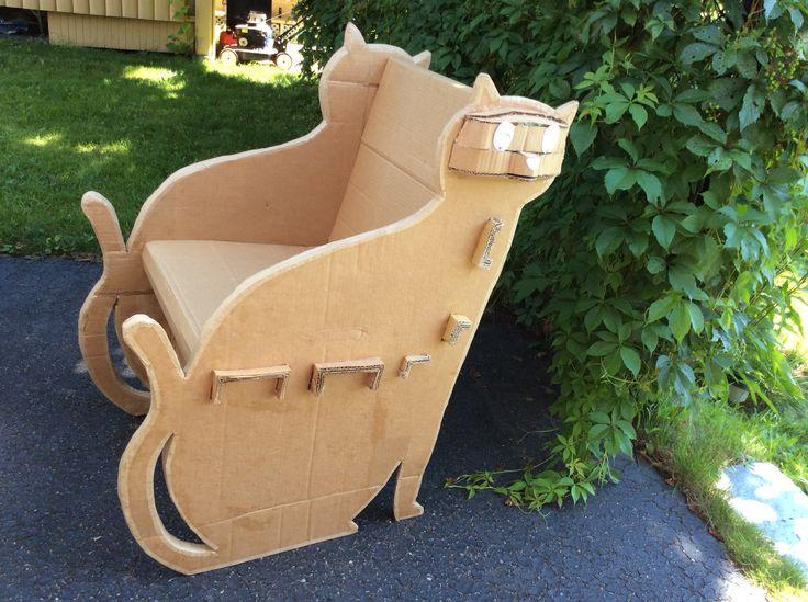 Fauteuil de carton - Prototype 1 Reste à le décorer et améliorer la tête