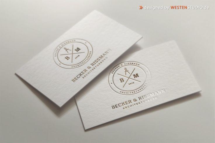 Visitenkarten repräsentieren einen Menschen, einen Gesprächspartner oder ein Unternehmen. Für den ersten Eindruck gibt es bekanntlich keine zweite Chance. Eine Visitenkarte erweckt, so klein sie auch sein mag, einen ersten Eindruck beim Empfänger.