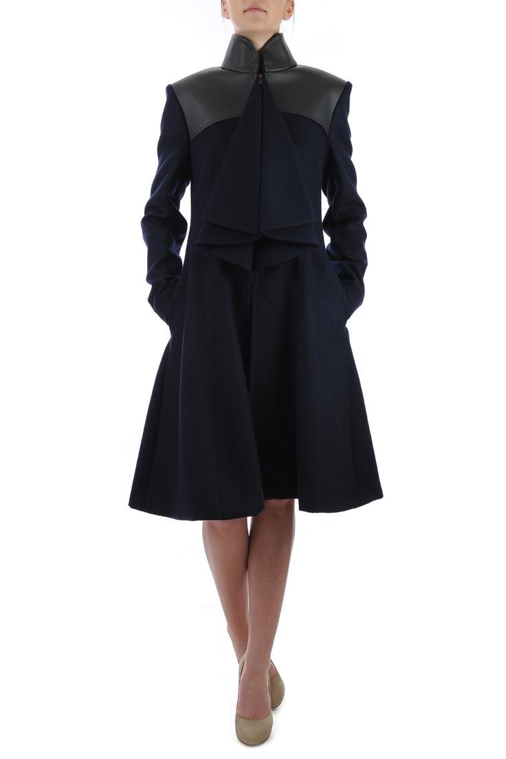 Palton din lana cu insertii argintii si piele ecologica