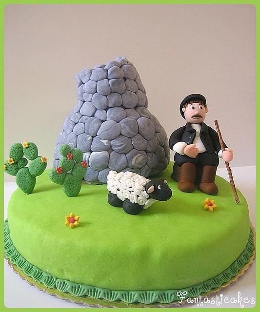 Torta Nuraghe con pastore sardo -1-