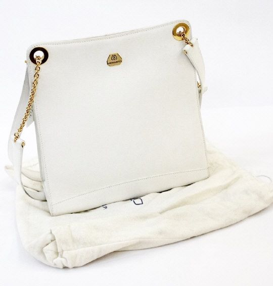 Morabito white leather handbag, with dust bag. Estimate £200.00 to £300.00 (Lot no: 161 in sale on 05/08/2014) The Cotswold Auction Company