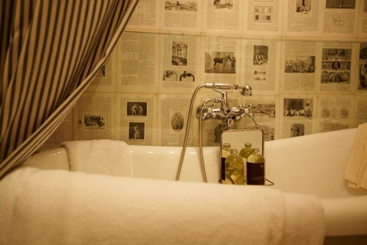 Atelier Anda Roman - bathroom, detail.