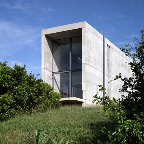 Japanese architect Tadao Ando has completed a concrete house on the edge of a cliff in southern Sri Lanka