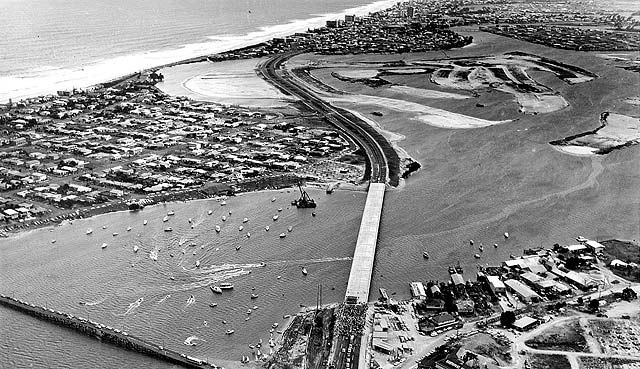The Sundale Bridge when it first opened, connecting Southport to Surfers Paradise #goldcoast