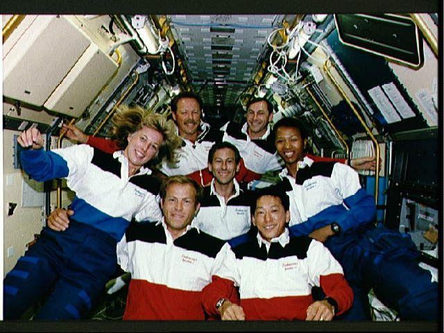 space shuttle endeavour astronauts - photo #4
