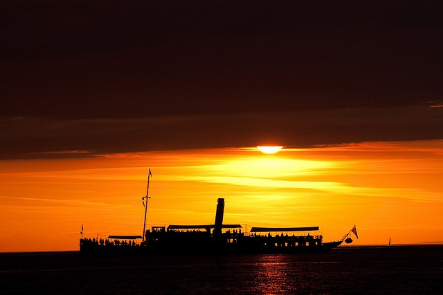Paddlesteamer Hohentwiel by Philipp Rümmele (RiOTPHOTOGRAPHY.com), via Flickr    Raddampfer Hohentwiel