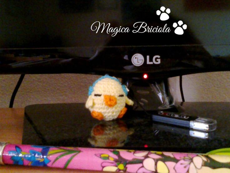 Laccetto trova USB, by magica briciola handmade, crochet, crochè, uncinetto, phone, cellulare, tecnologia, chick, fatto a mano, tenero, cute, technology