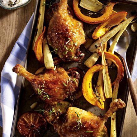 Entenkeule à l'orange vom Blech mit Kürbis-Pastinaken-Gemüse und Dip Rezept