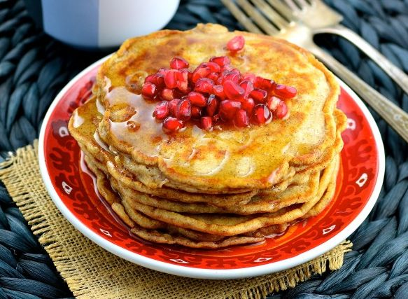 Ingredients Nutrition         Servings 4           1 1⁄2 cups skim milk   1⁄4 cup canola oil   1 egg   2 egg whites   3⁄4 cup white flour   3⁄4 cup whole wheat flour   1⁄2 cup oatmeal   1 tablespoon baking powder   1⁄2