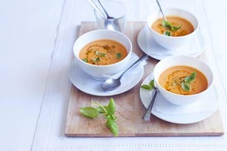 Italiaanse tomatensoep met mascarpone - Recept - Allerhande - Albert Heijn