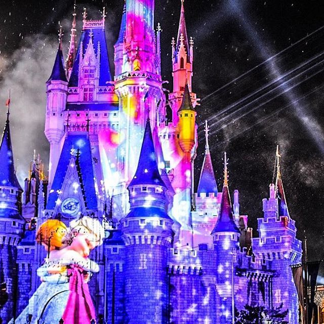 Instagram【chaiiitle_v】さんの写真をピンしています。 《Frozen forever  #photography#cinderella#castle#アナ雪#シンデレラ#城#夜景#写真 #ディズニー#東京#ディズニーシー#ディズニーランド#ディズニーリゾート #ファインダー越しの私の世界#ニコン#写真好きな人と繋がりたい#disney#tokyo#disneysea#disneyland#disneyresorts#disneygram#TDR#TDL#Nikon》