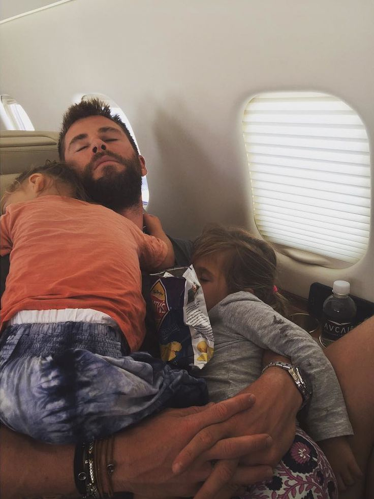 Chris Hemsworth cuddling w/ his kids...❤️❤️  The Cutest Celebrity Kids on Instagram - Chris Hemsworth's kids from InStyle.com