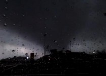 Would a dangerous sounding impact based tornado warning cause you to take shelter faster or would you wait until you actually see the tornado, like this one from Amsterdam, NY? #examinercom