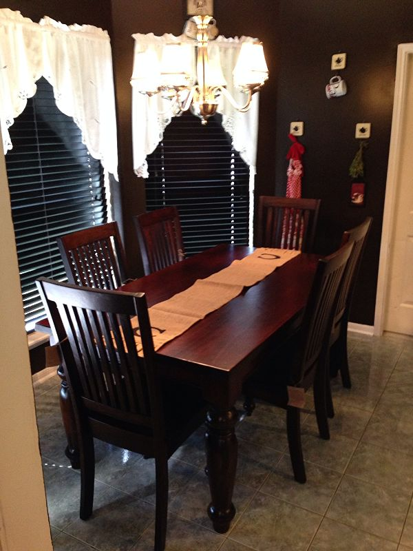 Perfect Just In Time For The Holiday Season This Gallery Furniture Customer Got A  Brand New Solid Wood Table For Their Dining Room.