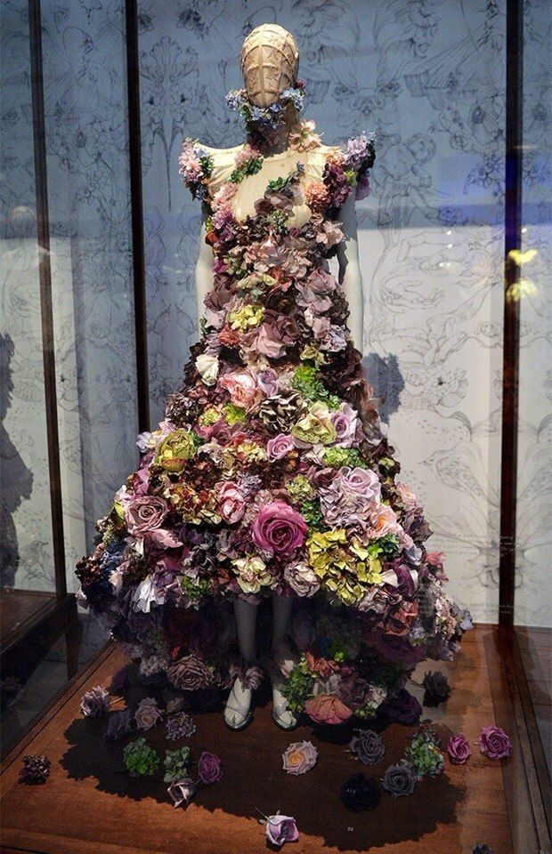 Alexander McQueen Savage Beauty Exhibition in London