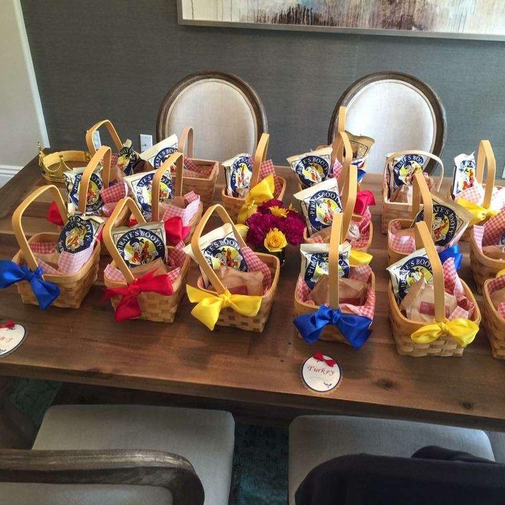 Snow White  Birthday Party Ideas | Photo 7 of 22                              …