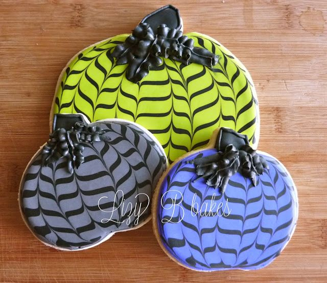 Lizy B: Tutorial! The Chevron Pumpkins are Back!