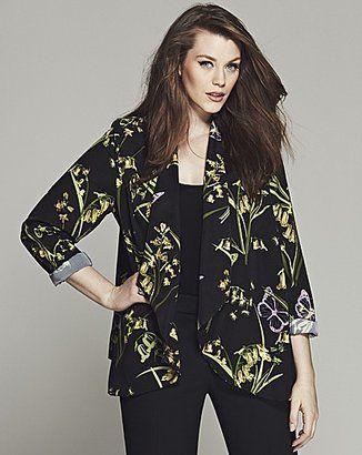 Trendy Plus Size Fashion for Women: Autumn Jackets