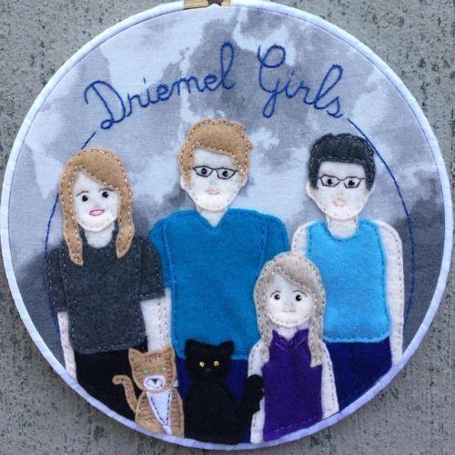 I got to make a custom portrait of three generations of beautiful Driemel girls! www.nestlingkids.com/product/family-portrait-hoop-art-custom-personalized-portrait-pet-portrait-up-to-5-people-3-pets