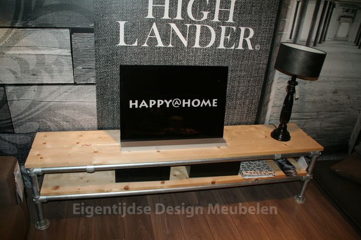 Steigerbuizen tv meubel een schitterend resultaat verkrijgbaar bij eigentijdse design meubelen - Eigentijdse meubelen ...