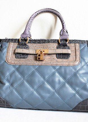Kupuj mé předměty na #vinted http://www.vinted.cz/damske-tasky-a-batohy/kabelky/15409871-luxusni-kabelka-carpisa