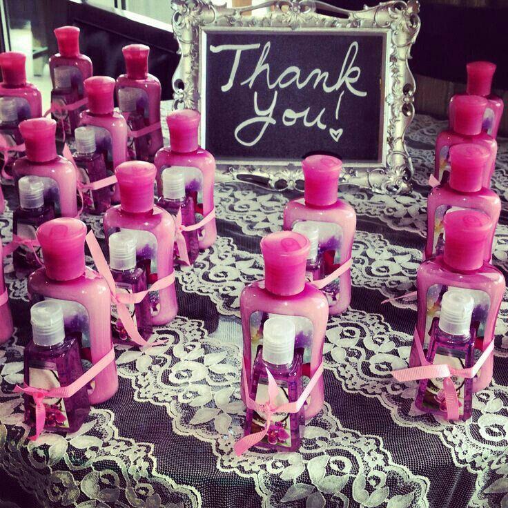 Agradecimientos en despedida de soltera- crema y desinfectante para manos
