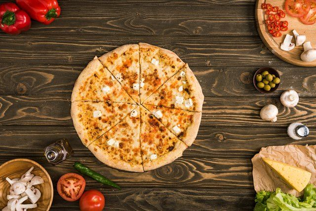 How Many Calories Are In A 10 Inch Domino S Cheese Pizza Livestrong Com Small Pizza Calorie Thin Crust Pizza