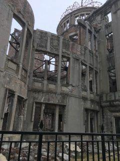 こんばんは()今日は念願の原爆ドームへテレビで見てきたのとは全然違います一周見させてもらいましたこの光景は日本人として脳裏に焼き付けました今日は特別は日になりましたありがとうございます    #広島県 #原爆ドーム #歴史 tags[広島県]