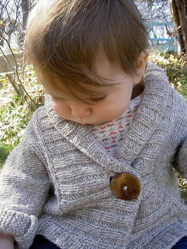 Free knitting pattern Ribbed Baby Cardigan A warm unisex baby jacket with a wide ribbed lapel. Sizes 0-3 months (3-6 mo., 6-9 mo., 9-12 mo., 12-24 mo.)