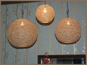 Las lámparas son ideales compañeras de piso. Preciosas y decorativas para nuestro salón… nuestro dormitorio. Nos iluminan en la oscuridad, nos acompañan en la penumbra… por ello, hoy me encantaría compartir con vosotros una idea de la web www.craftynest.com para hacer una linda lámpara sin necesidad de mucha complicación. De forma sencilla podemos obtener un …
