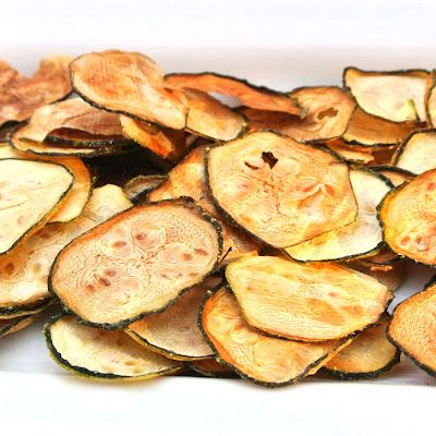 Zero Calorie Life: Baked Zucchini Chips. Pinning this because i just found out I'm in love with zucchini