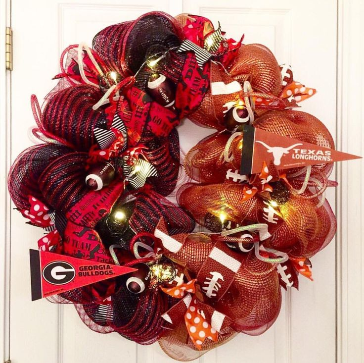 House Divided Wreath, Two Teams Wreath, College Football Wreath, Sports Wreath, Football Wreath, Custom House Divided Wreath, Sports Gift by ThePinkGardenias on Etsy https://www.etsy.com/listing/257013565/house-divided-wreath-two-teams-wreath