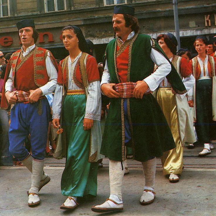 вроде снимается фото жителей черногории банты для волос