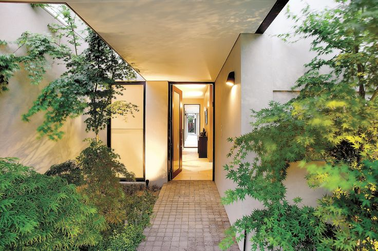 Front Door, Modern, Streamlined, Garden,   Constructed by Classic Projects