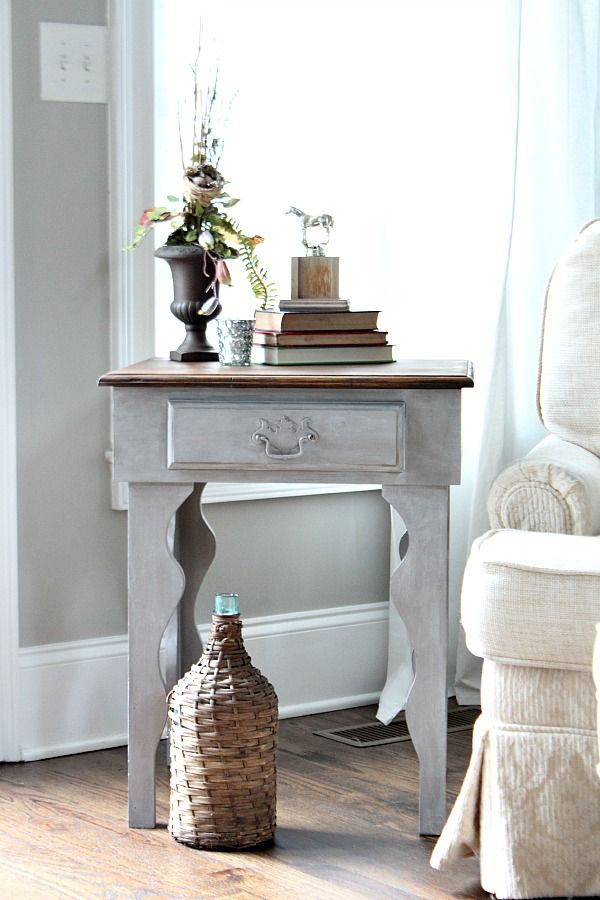 Curvy side table makeover. Love the weathered look she got using only 2 Maison Blanche Paint Company products! @refre