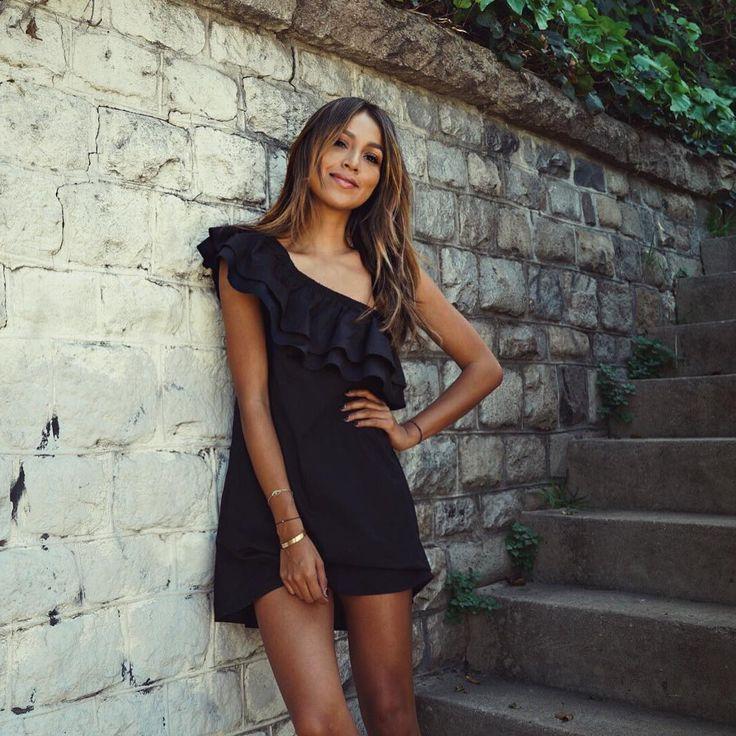 5,209 vind-ik-leuks, 27 reacties - Shop Sincerely Jules (@shop_sincerelyjules) op Instagram: 'LBD kind of day! | Everly dress: shopsincerelyjules.com #sincerelyjuleswear'