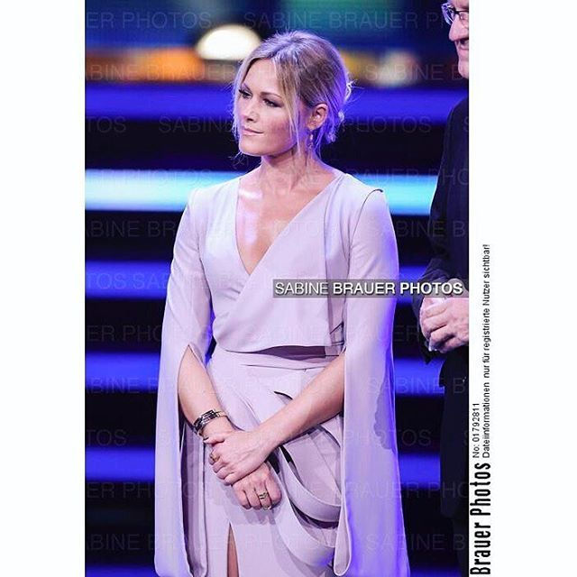 BAMBI 2016 ✨ BERLIN, GERMANY - NOVEMBER 17: Helene Fischer and Florian Silbereisen are seen during the Bambi Awards 2016 show at Stage Theater on November 17, 2016 in Berlin, Germany. (Photo: Sabine Brauer) #helenefischer #floriansilbereisen #bambi #bambi2016 #tv #live #berlin