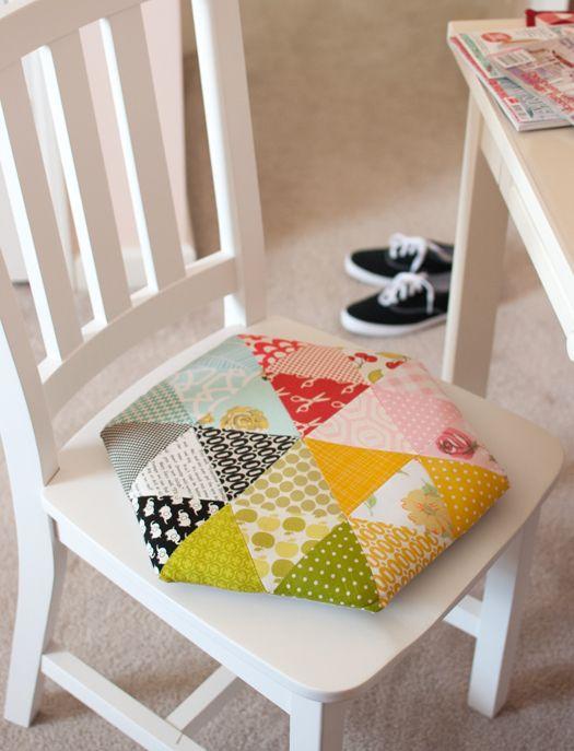 """A cute"" triangle pillow tutorial...."