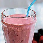 Batido de fresa, cereza, uva y yogur