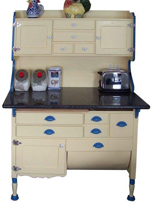 Hoosier cabinetsHoosier Cabinet, Tiny Vintage Kitchens, Country Kitchens, Vintage Green, Freestanding Kitchens, Kitchens Cabinets, Antiques, Vintage Decor